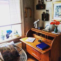 #newdecor #home #working #filofax #livingathome #espresso #cobald #interior #bird #royalcopenhagen #brass #modernfurnitureclassics #book ##hadeland #candleholder #designasmussen #pillow #feather #print #midcentury #teakdesk #pamono #golden #letter