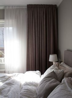 double curtain, lots of comforter and blanket, soft pillow, grey colour design Home Decor Bedroom, Simple Bedroom, Modern Bedroom, Interior Design, Grey Bedroom With Pop Of Color, Interior, Home Decor, Luxurious Bedrooms, Home Bedroom