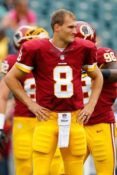 Kirk Cousins was the MAN! Don't know how we are gonna do this upcoming season without him! Redskins Football, Redskins Fans, Football Team, Redskins Pictures, Kirk Cousins, Football Conference, Team Photos, Sports Stars, Fantasy Football