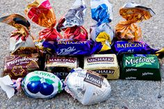By far, Wedel makes the best chocolates and candies. New York, Polish Recipes, Best Chocolate, Poland, Christmas Bulbs, Sweet Treats, Sweets, Entertaining, Candy