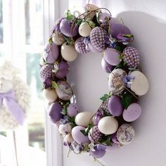 Give an Easter makeover to your door with a striking Easter door decoration. Glance through our fresh and peppy ideas here for an Easter-ready front door. Wreath Crafts, Diy Wreath, Wreath Ideas, Ornament Wreath, Easter Projects, Easter Crafts, Easter Decor, Easter Ideas, Couronne Diy