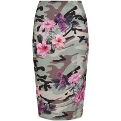 New Look Green Floral Camo Print Pencil Skirt ($26) ❤ liked on Polyvore featuring skirts, green pattern, pattern skirt, floral knee length skirt, camouflage pencil skirt, pencil skirt and flower print skirt