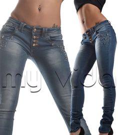 Pantaloni donna skinny vestibilità slim impreziosito da strass e borchie.