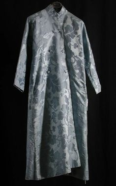 Banyan and sleeved waistcoat, 1755-1785. Pale blue silk damask with a pattern of large-scale leaf tendrils.