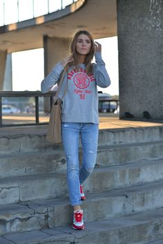 Abercrombie sweatshirt, jeans and Nike Air Max Nike Tights, Nike Boots, New Nike Shoes, Nike Shoes Cheap, Nike Air Max 87, Nike Outfits, Casual Outfits, Nike Inspiration, Nike Mode
