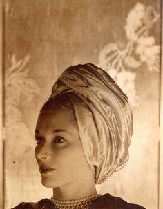 Lisa Fonssagrives by George Hoyningen-Huene,   after 1935 #millinery #turban #judithm