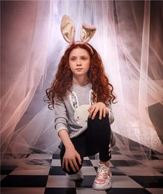 Magic RABBIT! Comenta un sinfín de 🎃🐰🥕 si amas disfrazarte en Halloween.  #FantasyWorld #HalloweenSTUDIOF  #GirlBySTUDIOF   Accesorio Ref. K210157 Buzo Ref. K260090 Leggings Ref. K250053A Calzado Ref. K350041 Fantasy World, Leggings, Halloween, Fashion, Vestidos, Feminine Fashion, Tents, Footwear, Skirts
