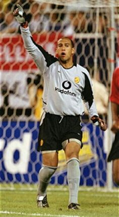 Man Utd goalkeeper Tim Howard in action in 2003.