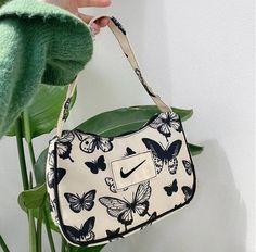 Cute Handbags, Purses And Handbags, Fabric Handbags, Aesthetic Bags, Accesorios Casual, Cute Purses, Cute Bags, Vintage Bags, Vintage Handbags