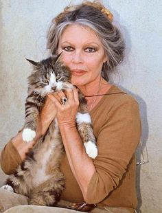 The courageous Brigitte Bardot, passionate about helping animals of every kind : Brigitte Bardot Foundation  http://www.fondationbrigittebardot.fr/#