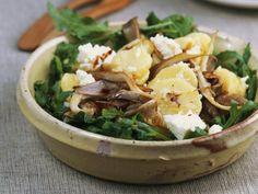 Kartoffelsalat mit Austernpilzen und Rauke ist ein Rezept mit frischen Zutaten aus der Kategorie Kartoffelsalat. Probieren Sie dieses und weitere Rezepte von EAT SMARTER!
