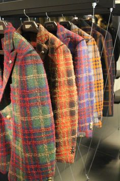 Gentlemen Of The Street - Pitti Uomo Mens Fashion Suits, Fashion Wear, Fashion Pants, Gents Suits, Tartan, Plaid, Style Costume Homme, Outfit Man, Bespoke Shirts