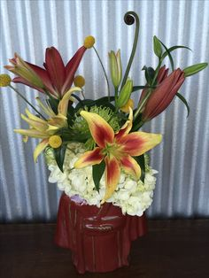 Asian inspired with Asiatic lilies of sunset colors