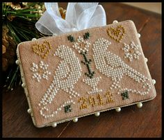 Little House Needleworks - Ornament of the Month 2012 - No. 03 - Quaker Birds - Cross Stitch Pattern