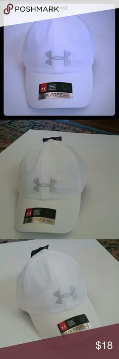 Women's Under Armour Twisted Renegade Cap PRODUCT FEATURES: Stitched logo Anti-odor technology  6-panel design   PRODUCT DETAILS: 2.56in brim 21.25-22.38in circumference  Adjustable webbed back strap  One size fits most   FABRIC & CARE: Polyester  Hand wash   ✌ Price FIRM unless bundled Under Armour Accessories Hats