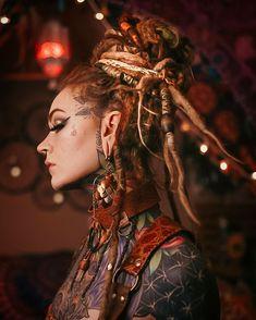Dreadlocks Girl, Dread Braids, Foto Portrait, Portrait Photography, Sexy Tattoos, Life Tattoos, Amazon Girl, Beautiful Dreadlocks, Tatoo