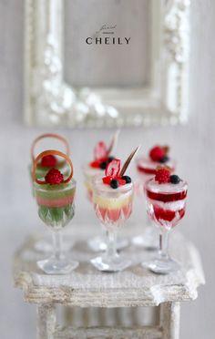 Dollhouse miniature desserts Raspberries fever by CheilysMiniature