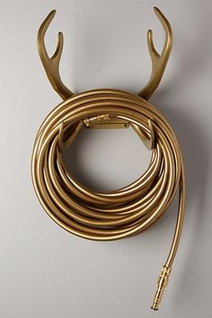 A reindeer garden hose set? Yes, please! #anthrofave http://rstyle.me/n/smgj6n2bn