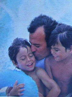 With daddy Julio Iglesias  Enrique y Julio Jr.