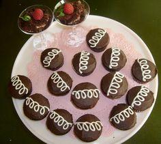 Café VegNews: #Vegan Valentine's Day menu, with treats.