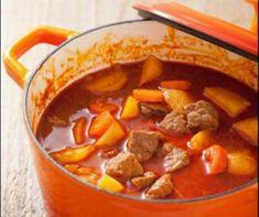 Egy nagy tányér laktató leves felér egy főétellel. Ezúttal olyan recepteket mutatunk nektek, amelyeknek az elkészítése után nem kell azon törni a fejeteket, hogy mi legyen a második. Elég egy desszert, palacsinta, vagy túrógombóc.