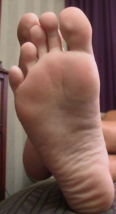 fetish moines foot iowa des