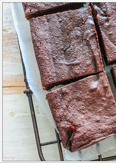 paleo / primal brownies  Adapted from Guilt-Free Desserts by Kelley Herring.  need 8 inch square pan