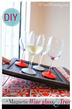 diy - how to make a magnetic wine glass and tray set Diy Holiday Gifts, Holiday Fun, Diy Gifts, Christmas Diy, Magic Crafts, New Year's Crafts, Home Crafts, Diy Magnets, Do It Yourself Crafts