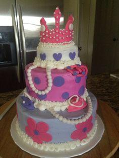 Princess diva cake: pearls, crown, purses