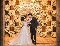 Vestido de noiva clássico - renda e manga longa ( Foto: Roberta Paiva | Vestido: Danielle Benício )