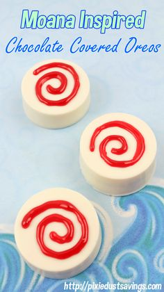 Delicious and fun Moana Inspired Recipe: White Chocolate Covered Oreos. These are perfect for a Moana themed party or family movie night.