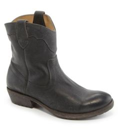 Shop for Frye Women´s Carson Lug Short Boots at Dillards.com. Visit Dillards.com to find clothing, accessories, shoes, cosmetics & more. The Style of Your Life.