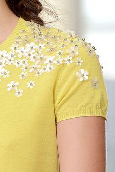 Tory Burch - yellow flower petite
