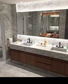 Banheiro casal / apt / so / ☑️ #dadocb @dadocastellobrancoarquitetura #bathrooms