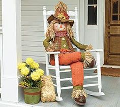Decorative Sitting Scarecrow - All For Garden Scarecrows For Garden, Scarecrow Crafts, Fall Scarecrows, Scarecrow Ideas, Scarecrow Doll, Diy Halloween Treats, Diy Halloween Decorations, Fall Halloween, Harvest Decorations