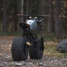 Pitbike turned into fatbike-scrambler 😎🤟 amazing photos as always by Tracker Motorcycle, Scrambler Motorcycle, Mini Motorbike, Amazing Photos, Cool Photos, Cafe Racer Bikes, Pit Bike, Motor Scooters, Cool Motorcycles