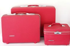 vintage | 50s 60s sears carnation red hard shell suitcase luggage overnight makeup tote | set of 3 by vintedgemodern on Etsy https://www.etsy.com/listing/242422160/vintage-50s-60s-sears-carnation-red-hard