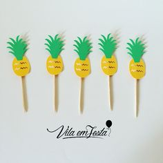 Picks de  R$9,00 (10 unidades) Festa Tropical. #festaabacaxi #verao2017 #picks #verão #festadeadulto #festainfantil #tropical #festatropical #flamingos #picksabacaxi