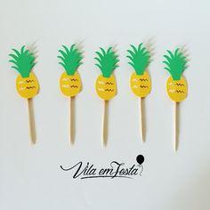 Picks de  R$9,00 (10 unidades) Festa Tropical. #festaabacaxi #verao2017 #picks #verão #festadeadulto #festainfantil #tropical #festatropical #flamingos #picksabacaxi