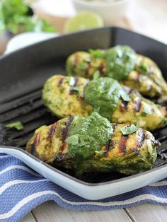 Spicy Salsa Verde Chicken | Running to the Kitchen