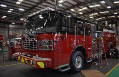Bertrand, Fire Apparatus, Evening Sandals, Fire Trucks, Birds, Age, Women, Fire Department, Firetruck
