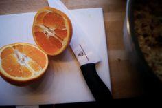 Disse kjeksene baker jeg ALLTID dobbel porsjon av. Appelsinhavrekjeksen er veldig populære hos barna, og kan serveres med god samvittighet. Vi har de på lur i bilen, m ...