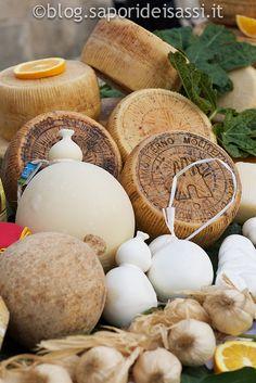 Cheese from Basilicata - Formaggi lucani http://www.saporideisassi.it/30-formaggi-latticini