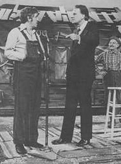 George Lindsey, Billy Graham and Grandpa Jones...on Hee Haw!!  Remember this show??? I do!