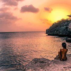#Sunset #JackAndDivTravels #Curaco #CaribbeanTravels #Backpacking #MyColourOfSummer #Travels #Wanderlust @ettingerlondon