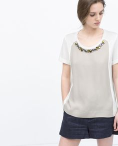 Image 1 de T-SHIRT COLLIER de Zara
