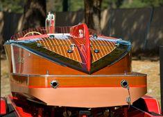 1948 23' Ventnor Mahogany Runabout, Super Cool Transom