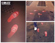 Posizionamento di impronte a Milano e Roma al fine di creare un percorso verso le edicole prescelte per la promozione del quotidiano Il Fatto Quotidiano #guerrillamarketing #floorcarpet