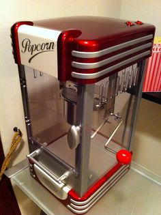 Popcorn Machine How many thumbs up to this? Popcorn Machine 26 Home Theaters You Wish You Owned 21 Fabulous Kitchen Gadgets Every Family Needs Get right to Kettle Popcorn, Basement Movie Room, Kitchen Gadgets, Kitchen Appliances, Art Nouveau, At Home Movie Theater, Theater Rooms, Toy Kitchen, Basement Remodeling