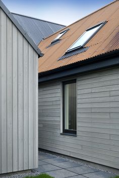 SILA A/B® RW014 Factory Coated with SiOO:X Mid Grey   Fiddes Architects Wood Cladding Exterior, Larch Cladding, Cladding Design, House Cladding, Wooden Cladding, Barn Conversion Exterior, Barn House Conversion, Types Of Cladding, External Cladding